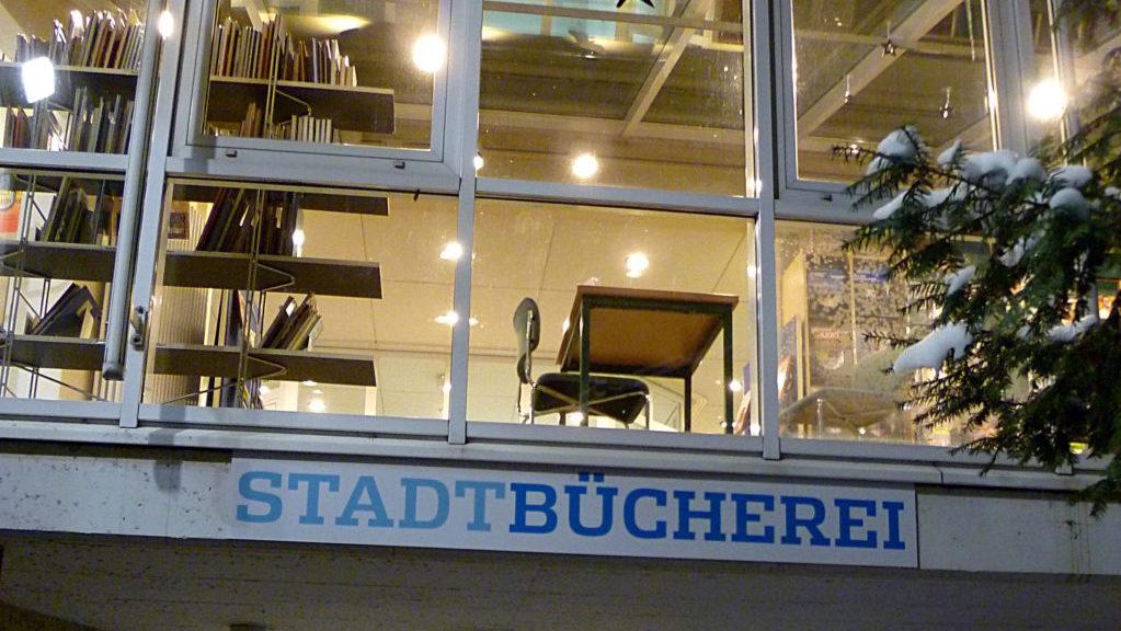Blick zur Leseterrasse der Stadtbücherei Schorndorf